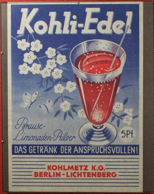 - Kohli-Edel. Zweifarbiges Werbeblatt für das gleichnamige Brause-Limonaden-Pulver der Berliner Firma Kohlmetz KG.