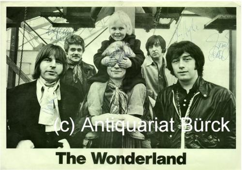 - The Wonderland. S/W-Kleinplakat der Rock-Gruppe mit Fotos der Bandmitglieder.